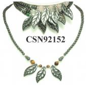 Assorted Colored Semi precious Stone Beads Hematite Leaf Pendant Beads Stone Chain Choker Fashion Women Necklace